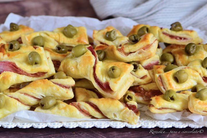 Stuzzichini di Pasta Sfoglia ANTIPASTO con Prosciutto ed Olive Ricetta veloce