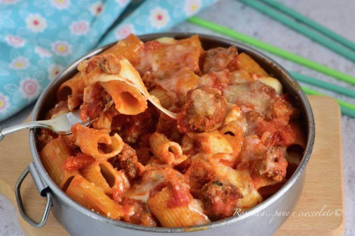 Pasta al forno di Carnevale la Ricetta del primo Piatto con Mozzarella