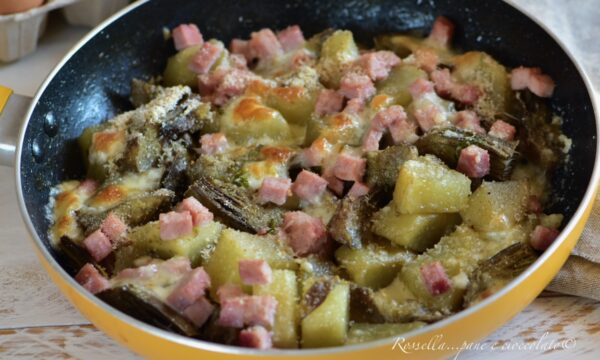 Carciofi e Patate in Padella con Prosciutto cotto il Contorno filante