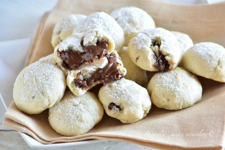 Biscotti Ricotta e Nutella ripieni con la ricetta cremosa