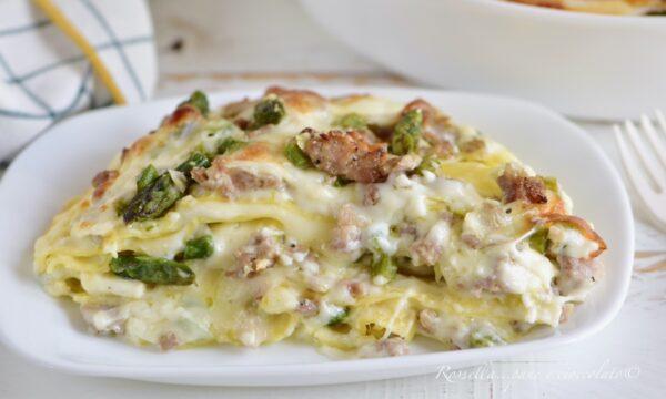 Lasagne Salsiccia e Asparagi la Ricetta del Primo Piatto filante di Primavera