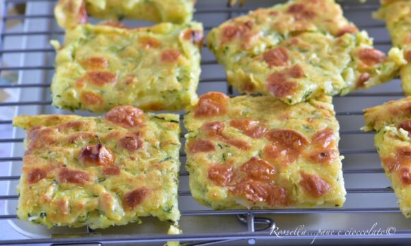 Schiacciata Zucchine e Provola la Ricetta veloce senza lievitazione
