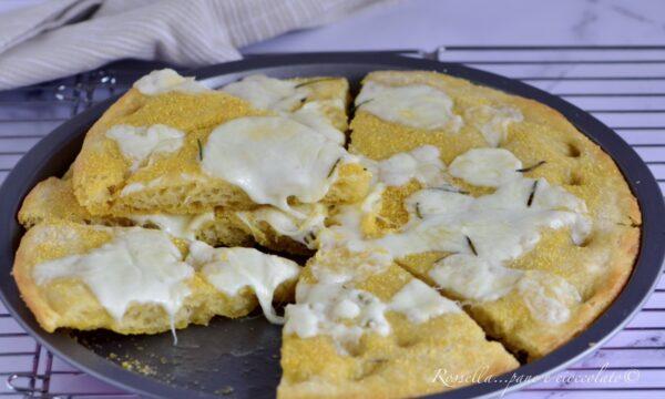 Focaccia Croccante con Mozzarella la Ricetta con trucchetto mai vista