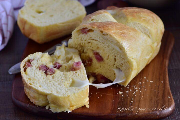 Treccia di Pan Brioches Salata la ricetta Ripiena in Ciotola a mano