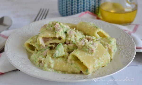 Paccheri Zucchine e Tonno Insalata di Pasta estiva Ricetta piatto veloce