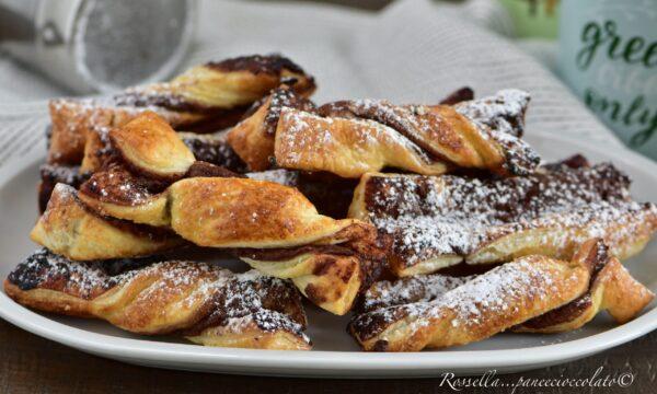 NASTRINE di Pasta Sfoglia alla Nutella Ricetta in 5 minuti fragrante