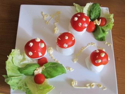 Funghetti di mozzarella e pomodoro