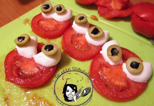 focaccine mostruose, antipasto Halloween mediterraneo