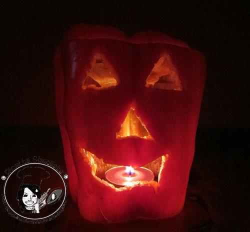 Mostro peperone decorazione per buffet ispirata ad Halloween