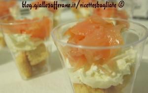 bicchierini salmone e formaggio