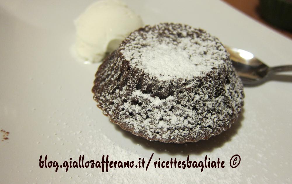 tortino cioccolato e zucchero a velo