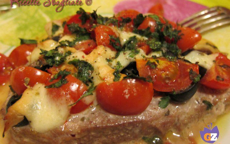 Trancio di tonno al forno con sughetto mediterraneo