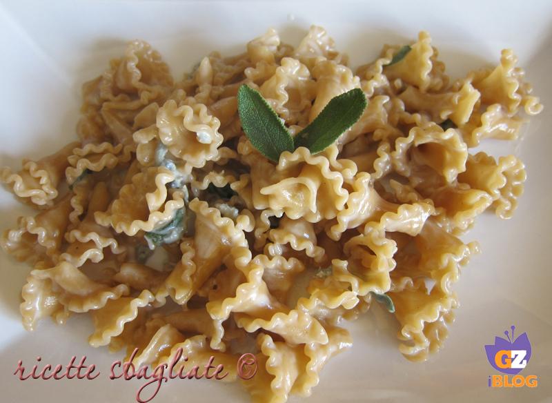 pasta alle castagne con gorgonzola e salvia