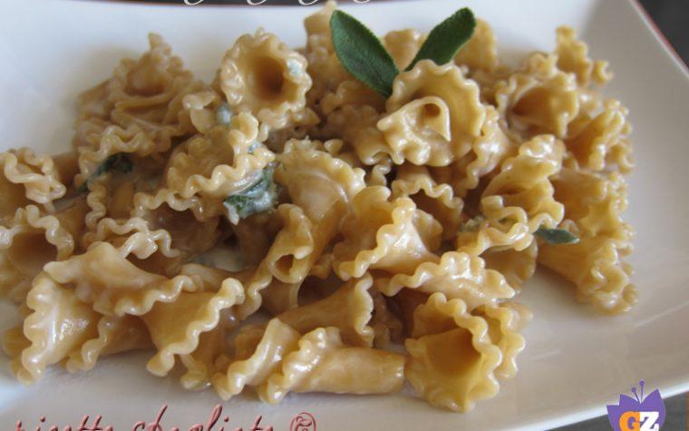Pasta fior di castagna gorgonzola e salvia
