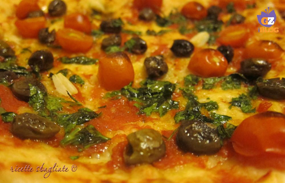 pizza marinara olive e pomodorini
