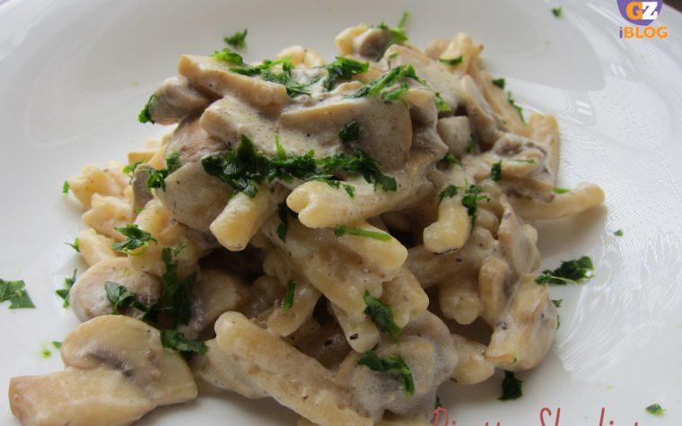 Pasta alle nocciole con funghi e tartufo