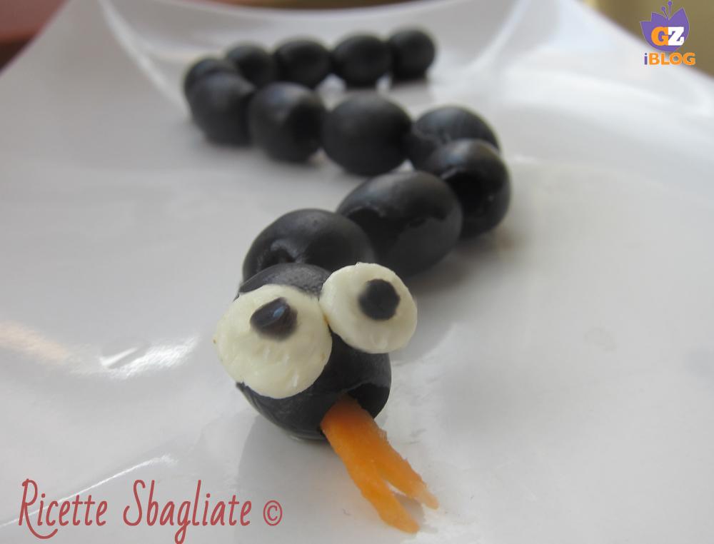 Il serpente con le olive, idea decorazione tavola e buffet