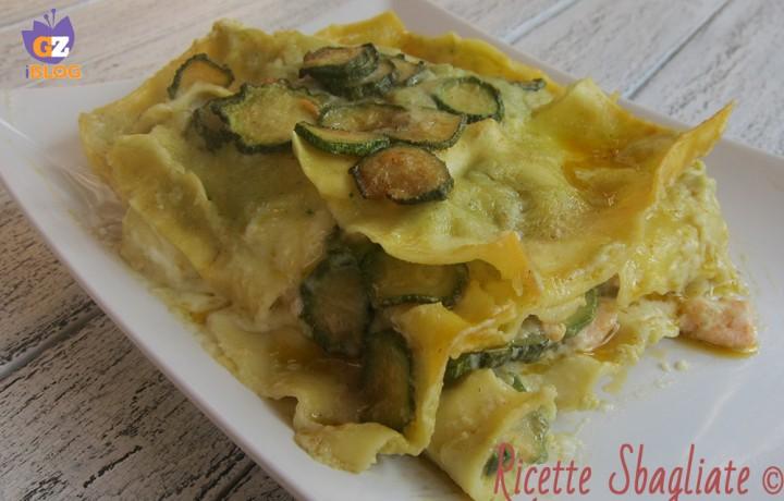 Lasagna zucchine e salmone, ricetta raffinata