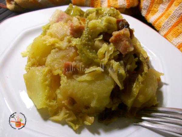 Patate con verza e pancetta - ricetta contorno saporito