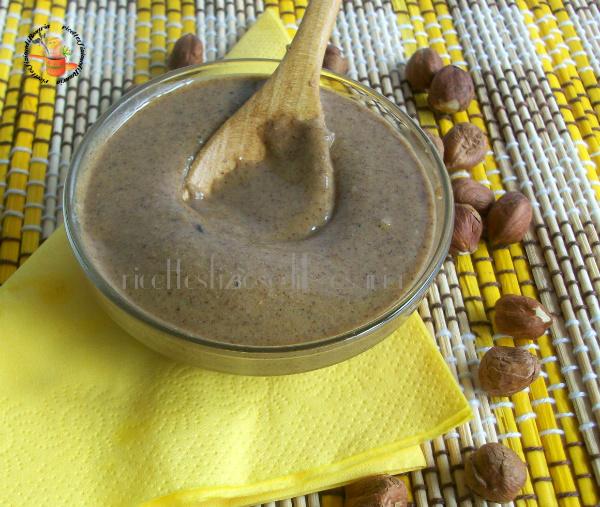 pasta di nocciole