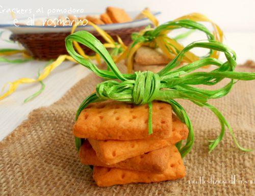 Crackers al pomodoro e al rosmarino (simil Tuc)