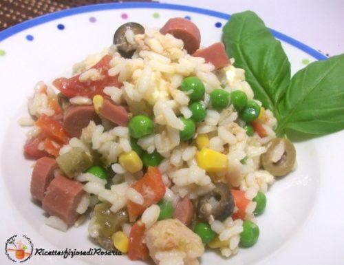 Insalata di riso ricca e gustosa