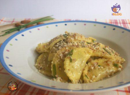 Ravioli con burro ed erba cipollina croccanti – ricetta veloce