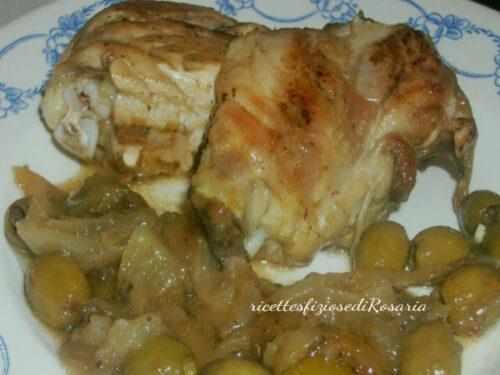Pollo al tegame con cipolle e olive