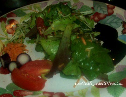 Insalata ricca con zucchina e carota – ricetta contorno sfizioso