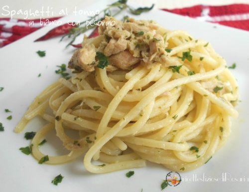 Spaghetti al tonno in bianco con pecorino