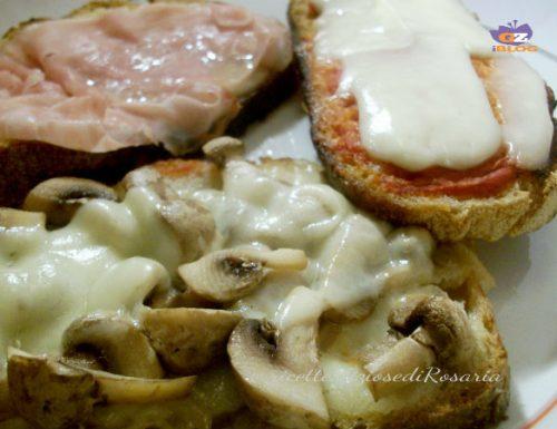 Crostini con funghi e prosciutto cotto- ricetta riciclo pane