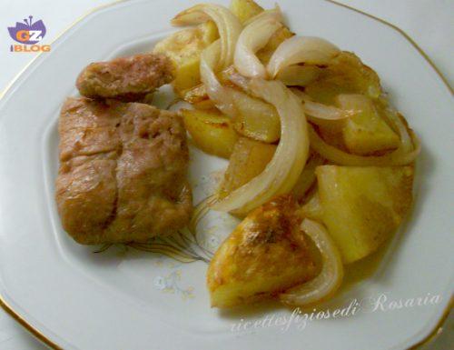 Patate cipolle e salsiccia di tacchino al forno