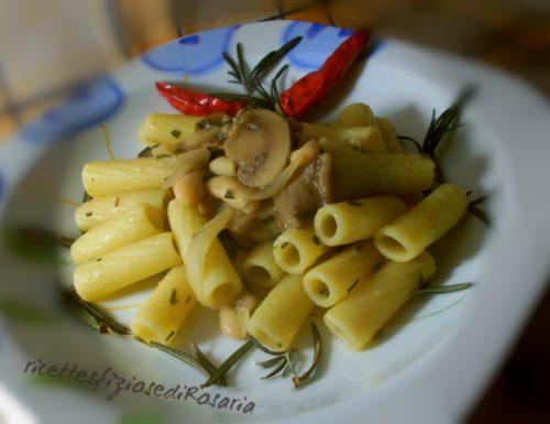 Tortiglioni con funghi, fagioli e rosmarino – ricetta dietetica