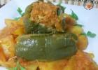 Peperoni verdi ripieni con patate in umido