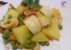 Calamari in umido con patate e piselli – ricetta gustosa