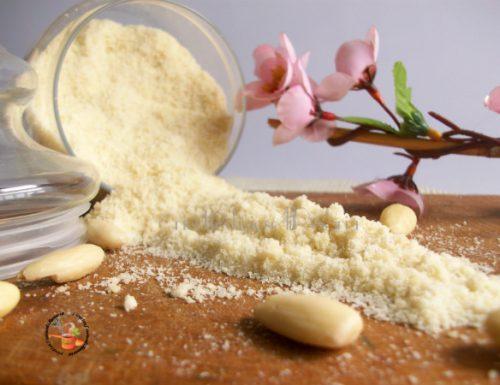 Farina di mandorle fatta in casa – Base per dolci