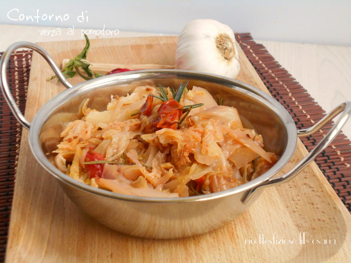 Contorno di verza al pomodoro - ricetta semplice e veloce