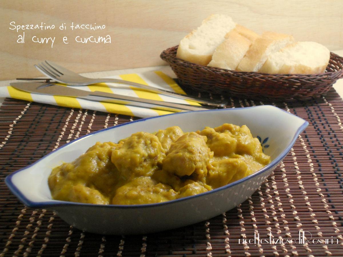 Spezzatino di tacchino con curry e curcuma