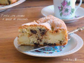 interno torta crema gocce cioccolato