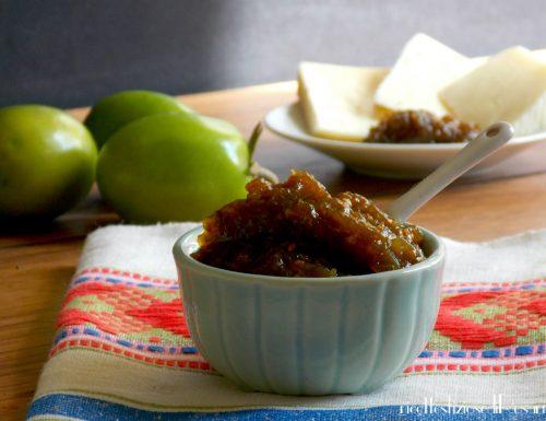Marmellata di pomodori verdi e peperoncino