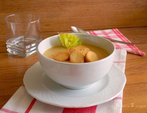 Zuppa di sedano rapa e patate