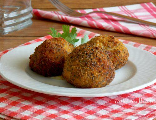 Polpette di cavolfiore e patate con ripieno filante