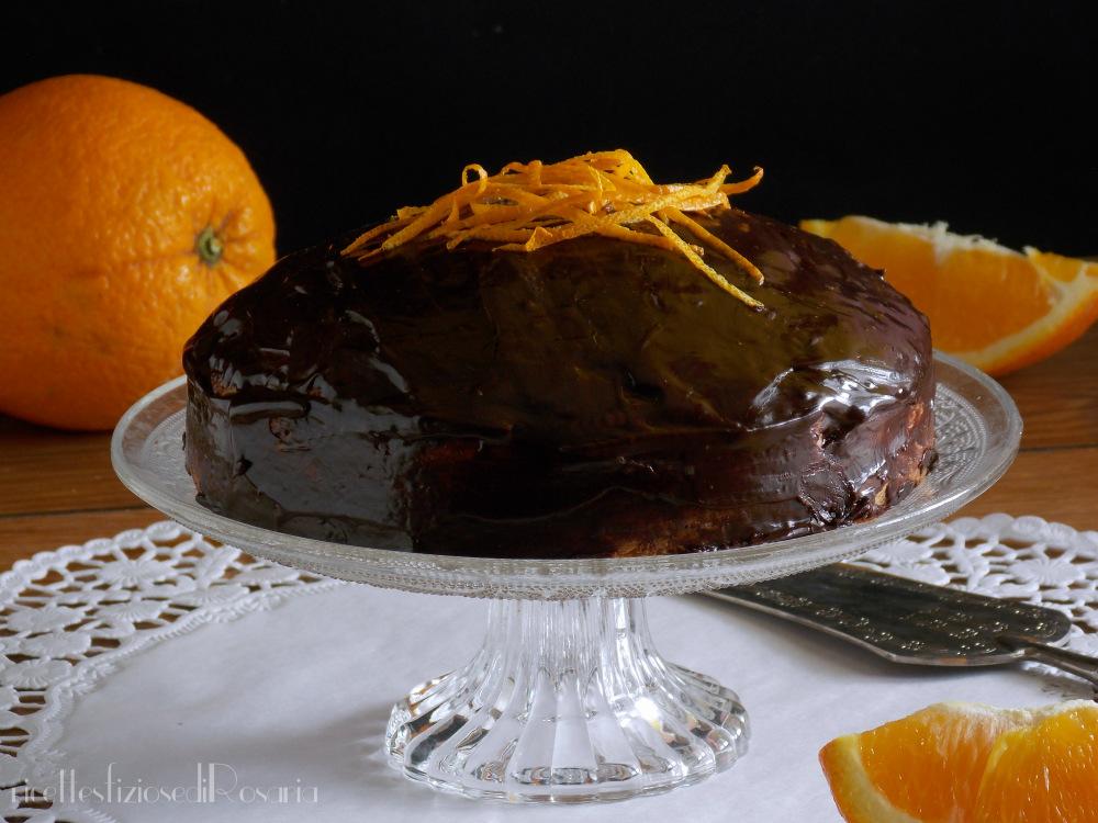 torta con arancia intera