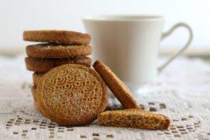 Biscotti integrali al limone e miele