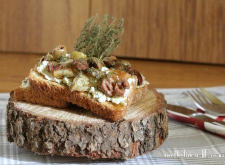 Tartine caprino patate dolci e olive taggiasche