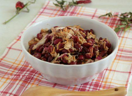 Insalata di fagioli rossi con verdure e sgombro