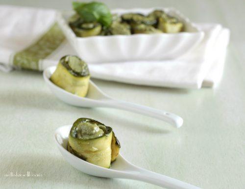 Involtini zucchine ricotta e pesto