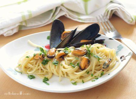 Spaghetti con cozze in bianco
