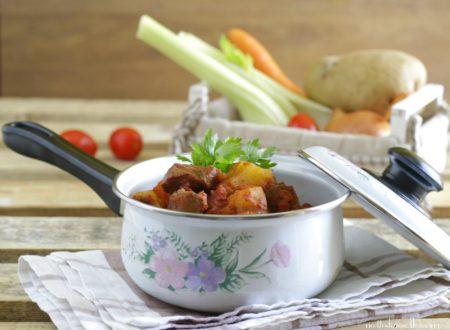 Spezzatino con patate al sugo