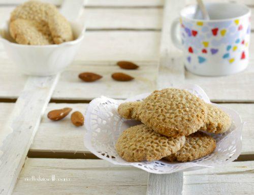 Biscotti grano saraceno e mandorle